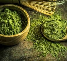 What are the Benefits and Uses of Greens Powders?
